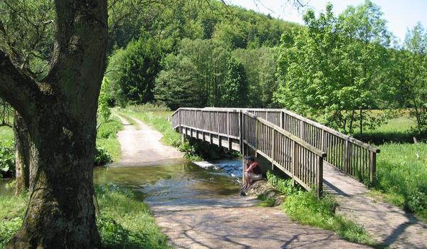 Brücke - Wanderweg